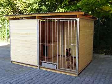 Home Rohrstab-Zwinger 2 x 4 m inkl. Futterset | 3,5-seitig geschlossen | braun imprägniert | Rohrstab Abstand 8 cm